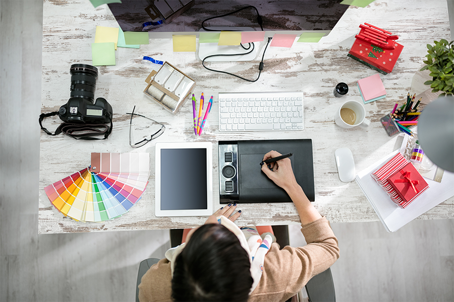 What exactly does a Graphic Designer Do?